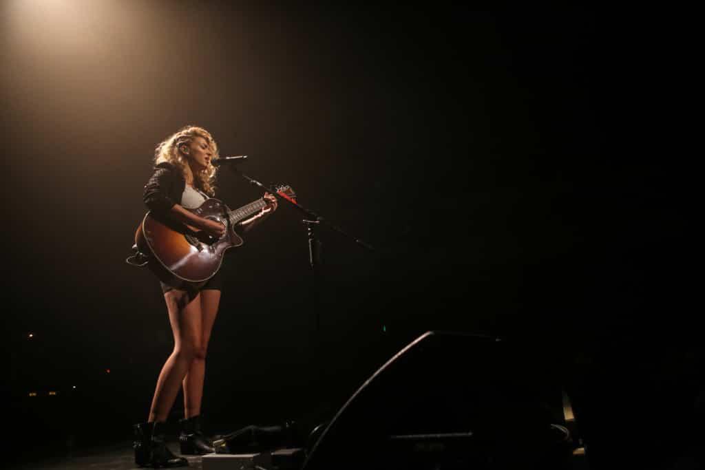 Tori-Kelly-RegencyBallroom-Music-Photography-Misti-Layne_10