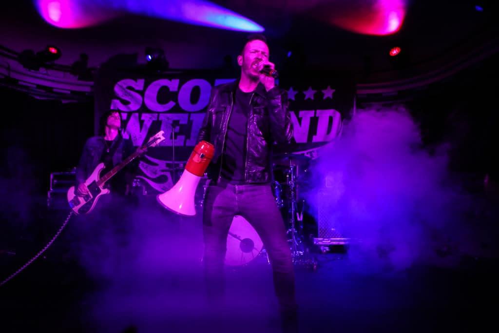 Scott Weiland Social-Hall-Misti-Layne_29