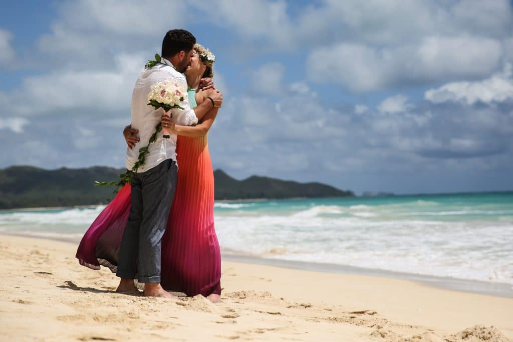 micro wedding intimate hawaii wedding photography by destination photographer Misti Layne